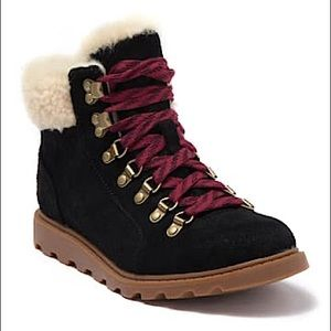 Sorel Ainsley Conquest Waterproof Boots Size 6